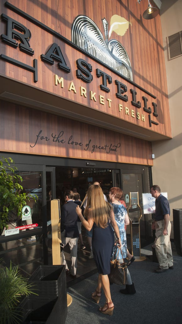 Rastelli Market Fresh is ringing in the season with some free tastings and coffee.