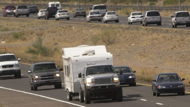 Reversible lanes are among possible options the Arizona Department of Transportation is considering to alleviate traffic crunches on an eight-mile stretch of Interstate 17 north of the Valley.