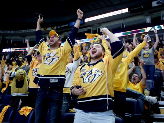 636608061201090725-Preds-jets-game3watchparty-02.jpg