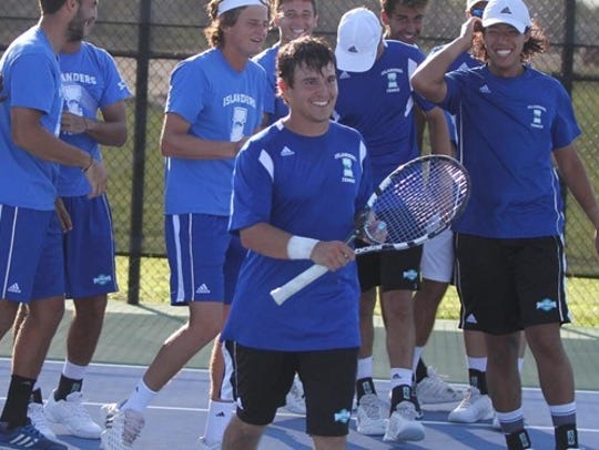 The Islanders men's tennis team swept two matches from