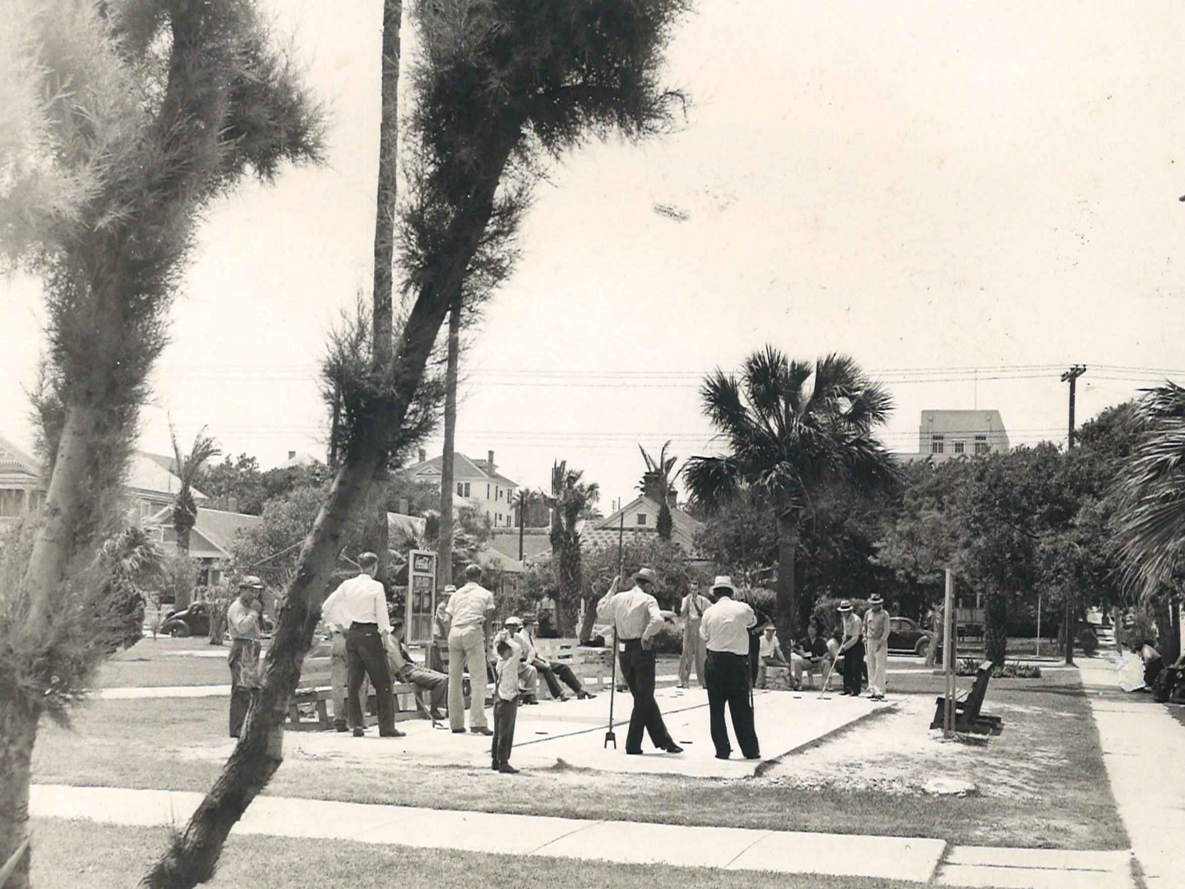 Artesian Park in downtown Corpus Christi, Oct. 23, 1941. Photo by McGregor.