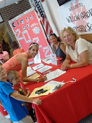 Members of the North Rockland PTA gather signatures.