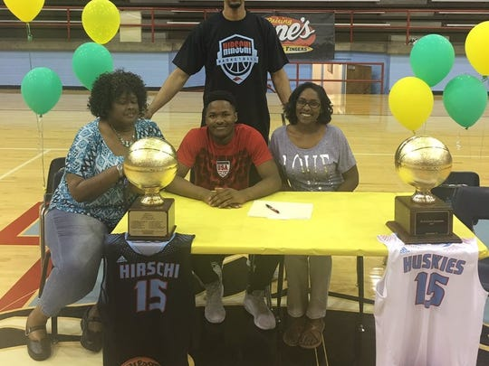 Hirschi's Carlos Gould signed to play basketball at Western Oklahoma State.