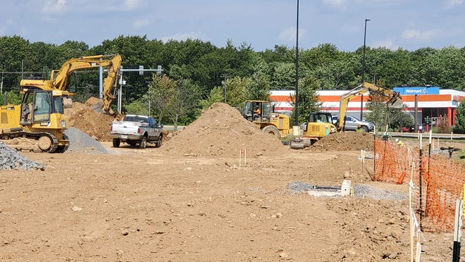 Construction site along Route 940 in Mount Pocono to feature new Starbucks and Aspen Dental.