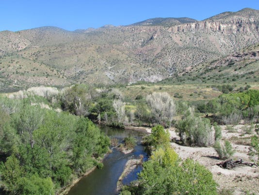 636147369849913543-gila-downstream-of-proposed-diversion-fall-2013-e1477316387860-1170x737.jpg