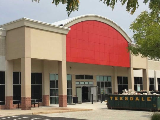 A former Sports Authority off Route 38 in Cherry Hill is being converted to an outlet for The Edge Fitness Clubs.