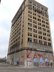 Eddystone building on Park and Sproat streets in
