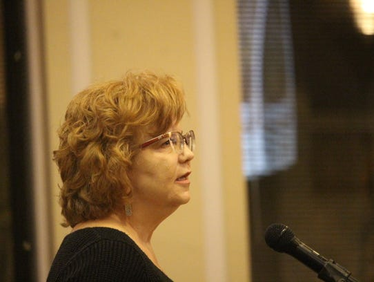 Anderson County resident Jane McMillian speaks in opposition