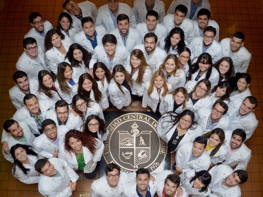 Zoe Underill's class is pictured at the Universidad