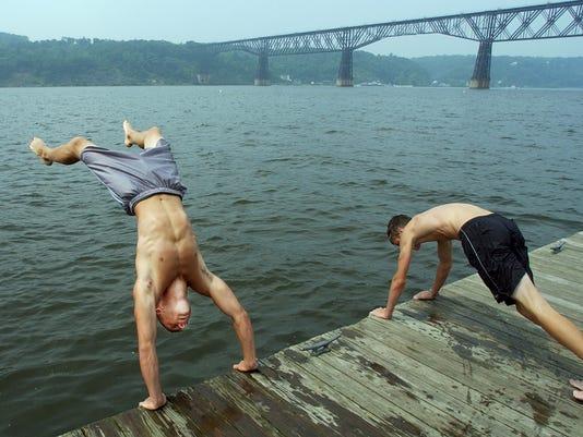 hudson swimmers