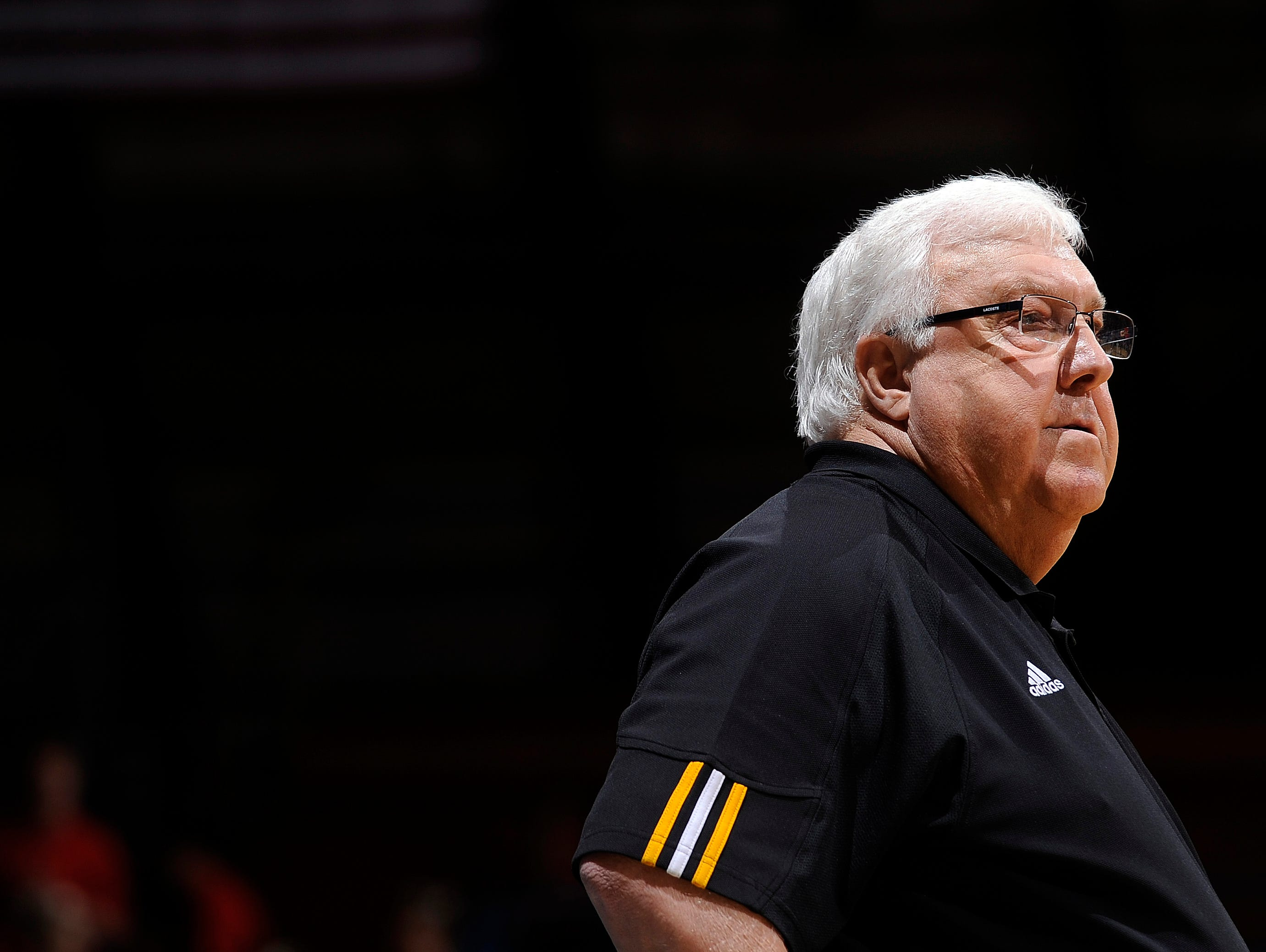 Legendary Mitchell basketball coach Gary Munsen died of a heart attack last week at age 72.