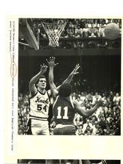 Steve Krafcisin, left, averaged 12.3 points for the 1979-80 Hawkeyes.