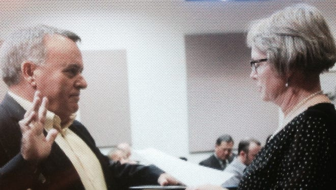 Cliff Hudson was sworn in as the new District 6 City Commissioner after Alamogordo commissioners appointed Hudson to the seat Tuesday evening. Hudson has been a resident of Alamogordo since July 2014. He is CEO Emerging Technology Ventures Inc. Hudson has 32 years of experience with the Department of Defense in acquisition management, project management and technology transition.