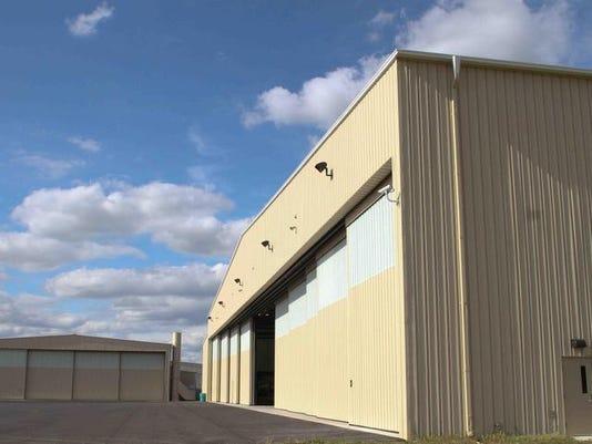 -09191120xl.hangargw0215.jpg20110919.jpg