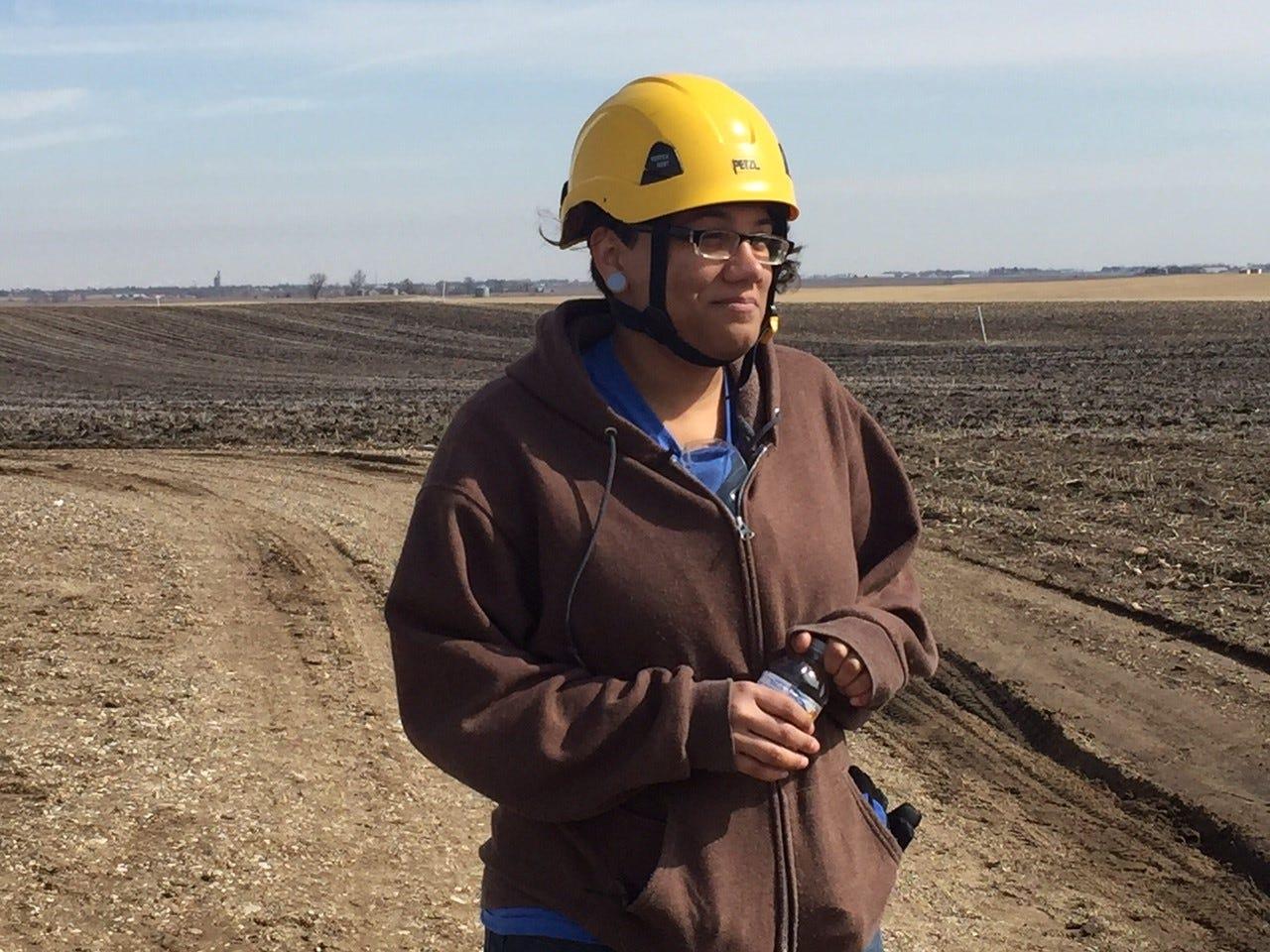 wind turbine technicians see job future with heavy demand rising rh desmoinesregister com