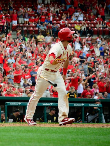 Cardinals third baseman Matt Carpenter hits a walk-off