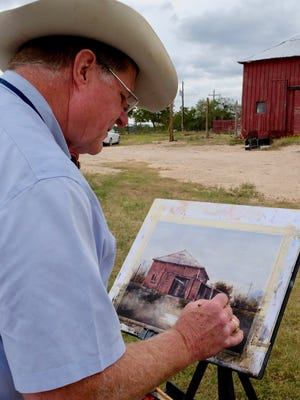 Tim Oliver paints during EnPleinAirTEXAS events in 2016.