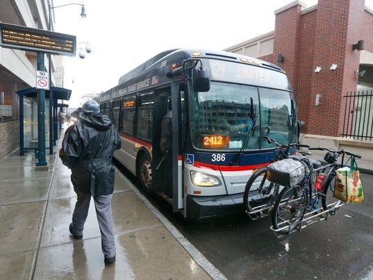 636202520459092997-CO-Transit-011717-C-Metro.jpg