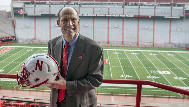 Mike Riley jumped from the Pac-12 to the Big Ten when he took the Nebraska job.