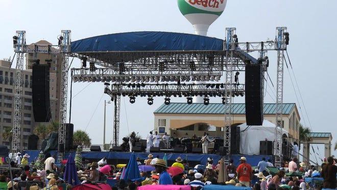 Crowds flock to the 2013 Gulf Coast Summer Fest stage on Casino Beach.