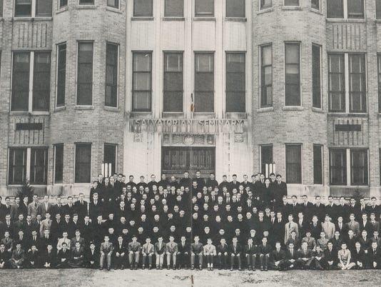635974486347326722-St-Nazianz-Seminary-1946resize.jpg