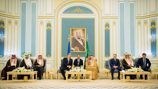 A handout picture provided by the Saudi Royal Palace on Nov. 1, 2017, shows King Salman bin Abdulaziz al-Saud meeting with Ukraine's President Petro Poroshenko in Riyadh.