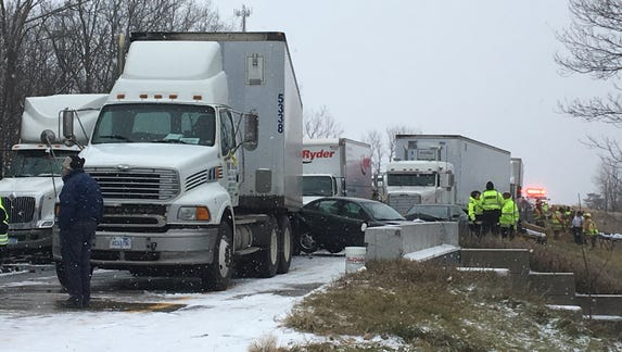 At least 2 dead after pileup on I-96 near Fowlerville