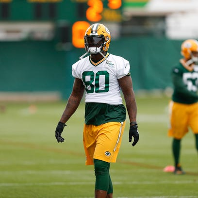 Packers tight end Martellus Bennett participates in
