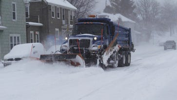 Snow wallops Wisconsin lakeshore: 18 inches in Door County, a foot of snow in Manitowoc