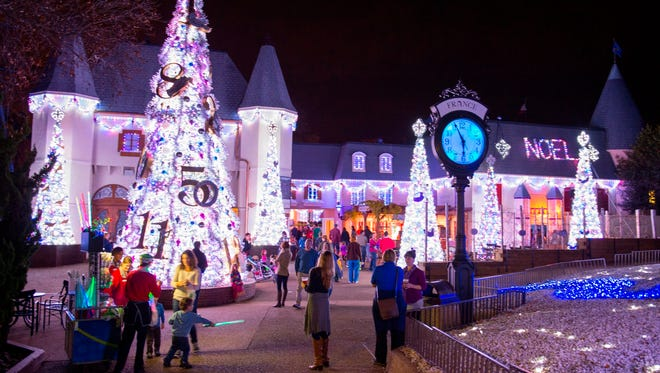 10 great theme parks for the holidays
