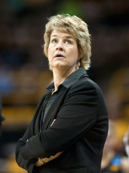 NCAA Womens Basketball: NCAA Tournament-2nd Round-Louisville vs Iowa