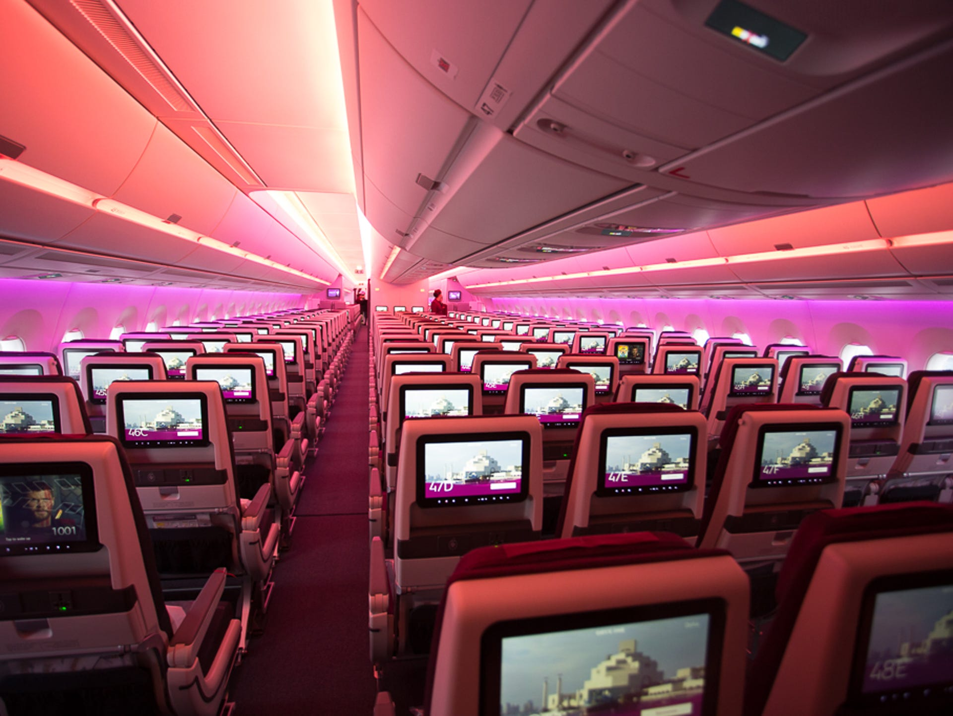 Qatar Airways takes delivery of Airbus' biggest A350 jet yet