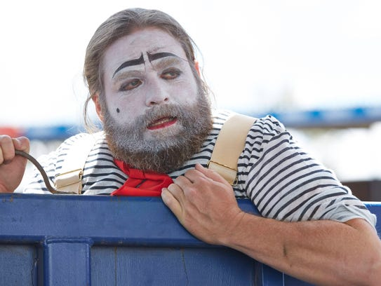 Chip Baskets (Zach Galifianakis) dreams of being a