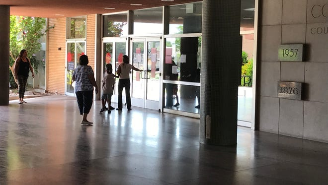 The Tulare County Superior Courtwill begin lifting some restrictions on access to its courthouses.