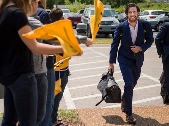 Nashville Predators' James Neal arrives at Signature Flight Support before boarding a plane to depart for game 5, Friday, May 6, 2016, in Nashville, Tenn.