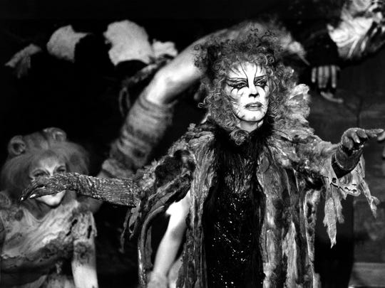 """Betty Buckley performs as Grizabella from the musical """"Cats"""" on June 5, 1983, during the 37th Annual Tony Awards at New York's Uris Theatre."""