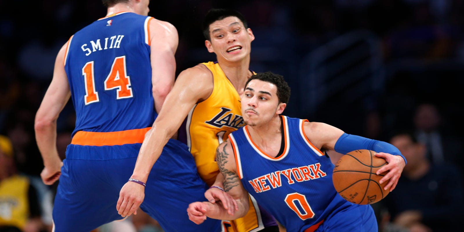 fdbc68150ce0 NBA-worst Knicks hold off Lakers 101-94 for rare road win