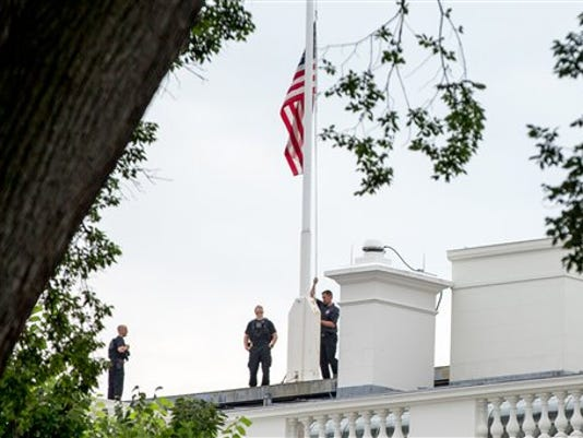 Chattanooga Shooting White House Flags
