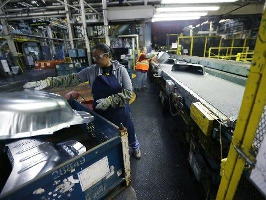 GM-Pontiac-Metal-Center