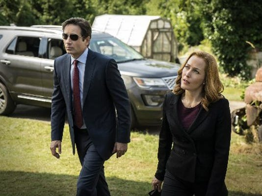 635889648444215309-AP-TV-The-X-Files-CAET885.jpg