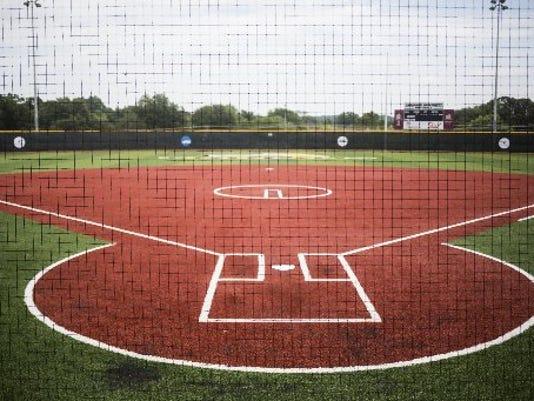 636131726197417800-au-section-softball.JPG