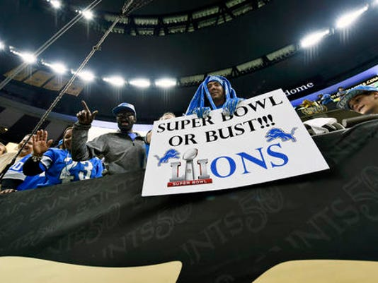 636164680500453662-Lions-Saints-Football-Emko-2-.jpg