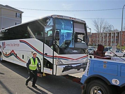 635505377179270283-Redskins-Bus-Accident-Ciur