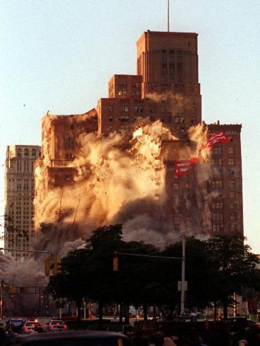 Hudson's Detroit implosion