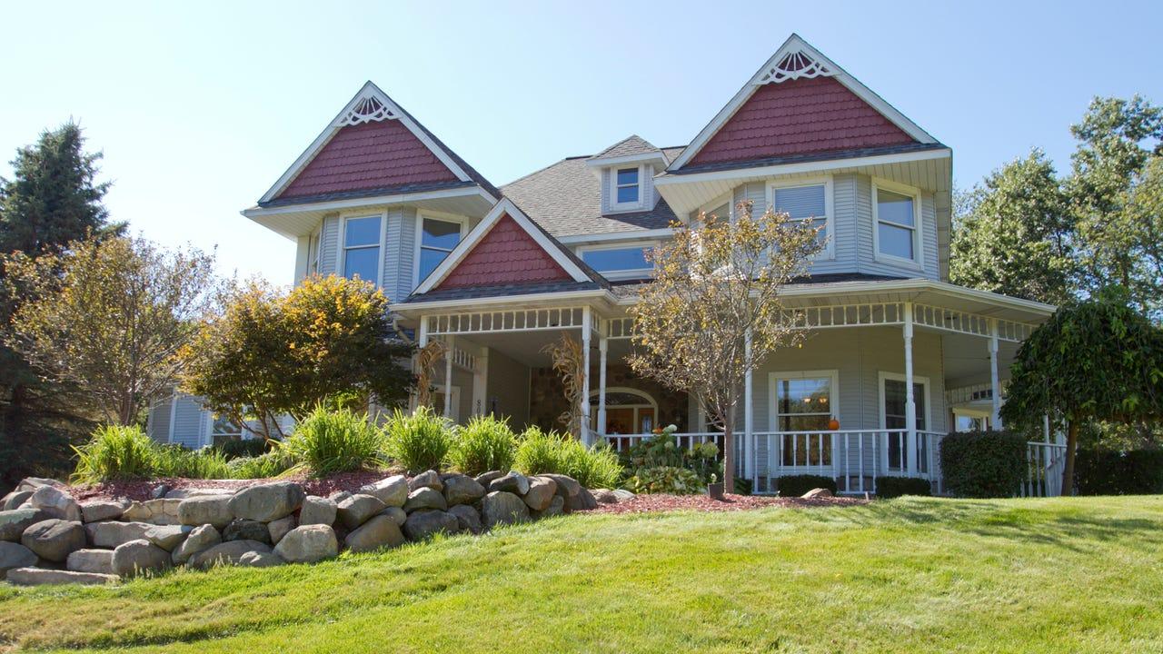 hamburg twp home once little boy 39 s 39 castle 39 now for sale at 589k. Black Bedroom Furniture Sets. Home Design Ideas