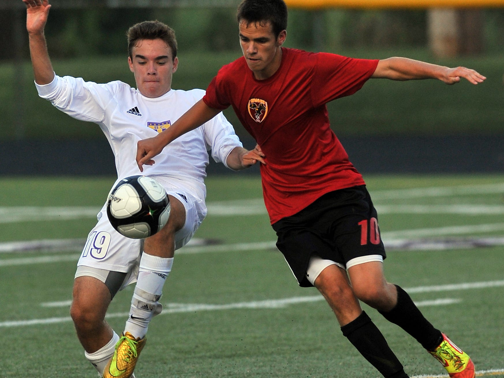 Bloom-Carroll's Chance Ertuncay tries to keep control of the ball during a nonleague game Thursday against Big Walnut.