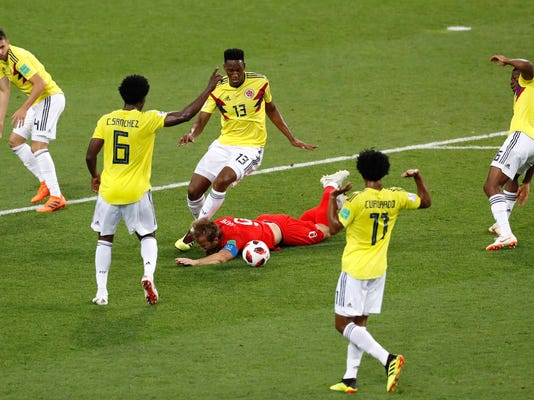 APTOPIX_Russia_Soccer_WCup_Colombia_England_73923.jpg