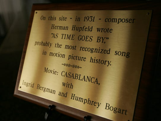 A plaque stating that the song 'As time goes by' was