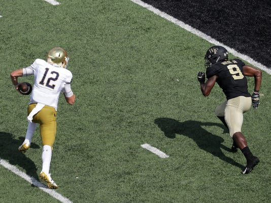 Notre_Dame_Wake_Forest_Football_63411.jpg