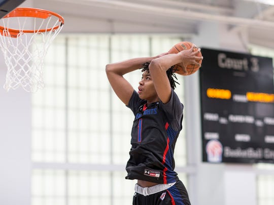 RANCHO MIRAGE, California: Class of 2018 center Moses Brown dunks at the 2017 ANA Inspiration at Mission Hills Country Club.